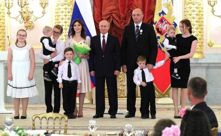 Фото: семья Кошкиных из Сахалинской области. Источник: kremlin
