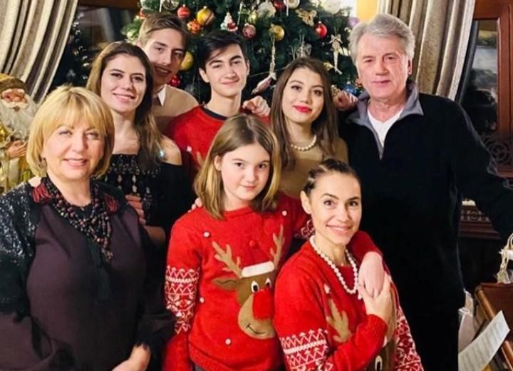 родные Ющенко, Новый год 2020
