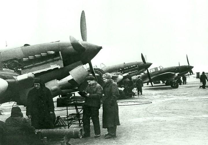 Ил-2 перед отправкой на фронт. 18-ый авиазавод