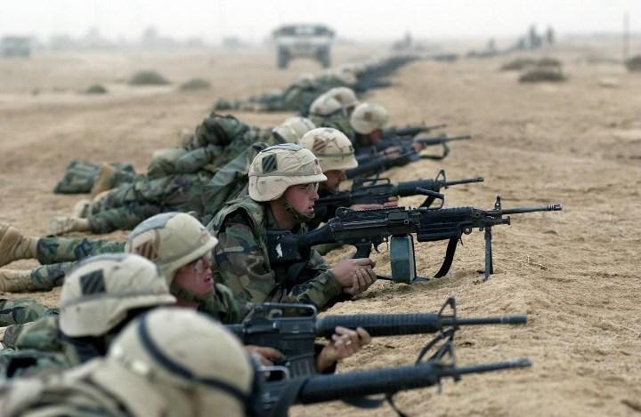 пехотинцы на огневой позиции