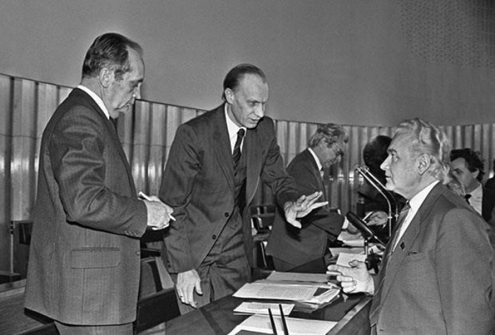 Энн-Арно Силлари, второй слева, сейчас ему 76 лет