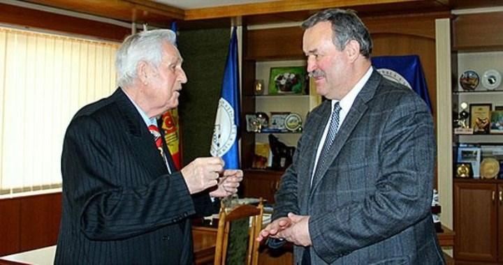 слева Еремей Г.И., 85 лет